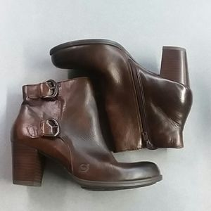 NWOT Born Ankle Boots